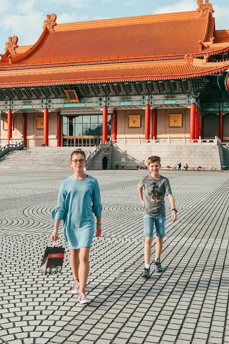 expat kids exploring